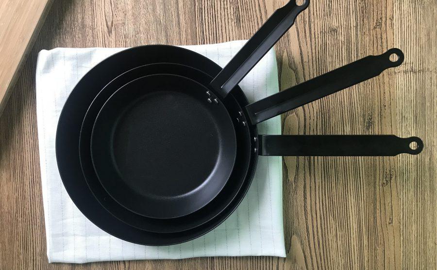 鉄のフライパンはお手入れ簡単!どんな料理でも主役まちがいなし!